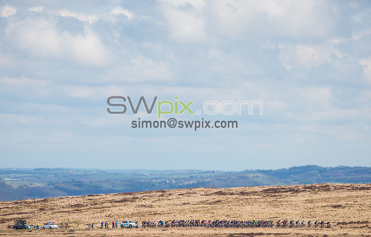 Picture by Alex Whitehead/SWpix.com - 03/05/2015 - Cycling - 2015 Tour de Yorkshire: Stage 3, Wakefield to Leeds - The peloton in action.
