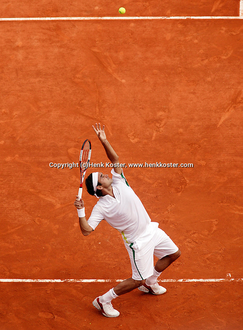17-4-06, Monaco, Tennis,Master Series, Federer in action against Djokovic
