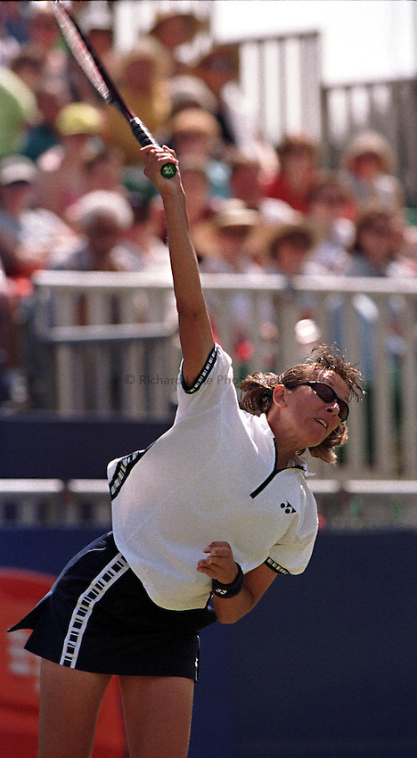 Photo. Richard Lane. .International Ladies Tennis, Eastbourne. 19/6/99..Natasha Zvereva serves during the singles final.