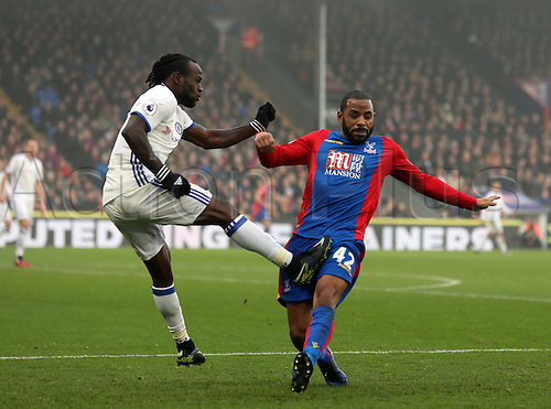 17.12.2016. Selhurst Park, London, England. Premier League Football. Crystal Palace versus Chelsea. Victor Moses injures Jason Puncheon which leads to him going off