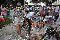 BOGOTA -COLOMBIA, 26-OCTUBRE-2014.  Se realizo la carrera de cinco kilometros The Color  Run en los alrededores del parque Simon Bolivar. / Five km race was ran The Color Run around Simon Bolivar Park<br /> .Photo / VizzorImage / Felipe Caicedo / Staff