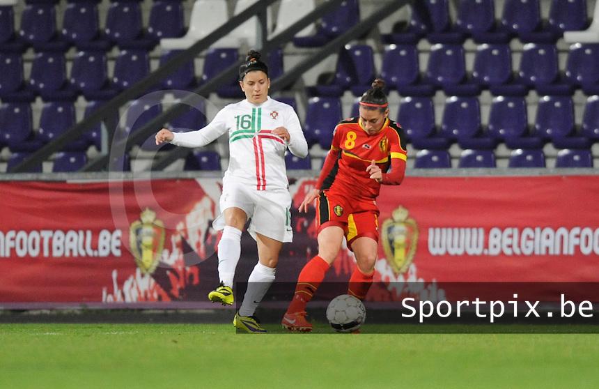 Belgian Red Flames - Portugal (31/10/2013) :<br /> Duel tussen Audrey Demoustier (R) en Mafalda Marujo (L)<br /> foto Dirk Vuylsteke / nikonpro.be