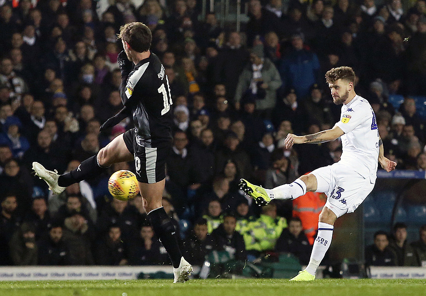 Leeds United's Mateusz Klich passes despite the attentions of Reading's John Swift<br /> <br /> Photographer Rich Linley/CameraSport<br /> <br /> The EFL Sky Bet Championship - Leeds United v Reading - Tuesday 27th November 2018 - Elland Road - Leeds<br /> <br /> World Copyright © 2018 CameraSport. All rights reserved. 43 Linden Ave. Countesthorpe. Leicester. England. LE8 5PG - Tel: +44 (0) 116 277 4147 - admin@camerasport.com - www.camerasport.com