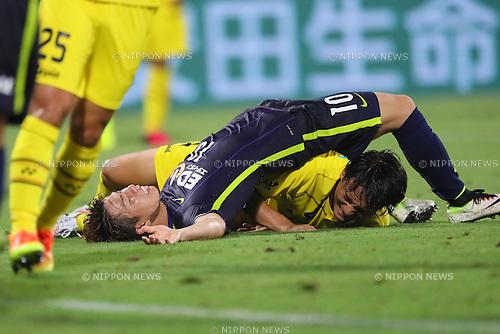 Takuma Asano (Sanfrecce), <br /> JULY 13, 2016 - Football /Soccer : <br /> 2016 J1 League 2nd stage match <br /> between Kashiwa Reysol 3-3 Sanfrecce Hiroshima <br /> at Kashiwa Hitachi Stadium, Chiba, Japan. <br /> (Photo by YUTAKA/AFLO SPORT)