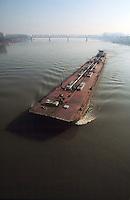 """- pusher of """"Fluviopadana"""" company with barge for fuel transport  in navigation on  Po river....- spintore della compagnia """"Fluviopadana"""" e chiatta per il trasporto di carburanti navigazione sul fiume Po"""