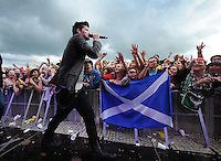 The crowd loving a performance from The Script ......