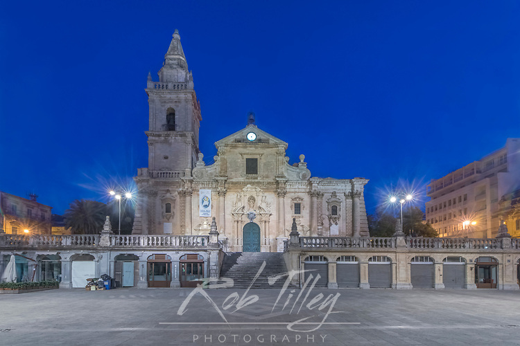 Europe, Italy, Sicily, Ragusa, Ragusa Cathdral (Duomo de Ragusa) at Dawn