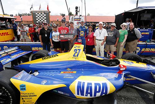 Verizon P1 Pole Award winner Alexander Rossi, Andretti Autosport Honda with IndyCar nation guests