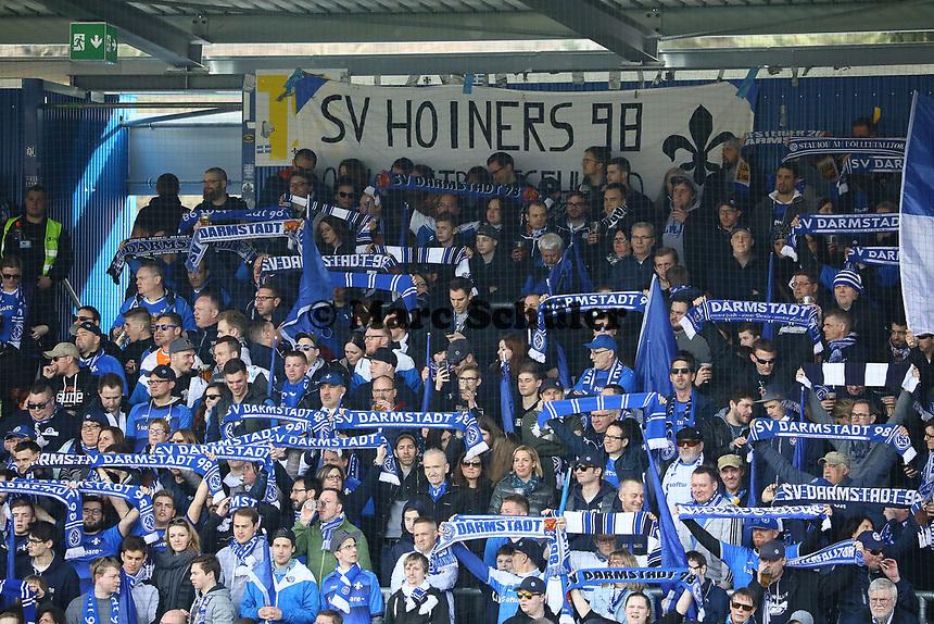 Fans des SV Darmstadt 98- 11.03.2017: SV Darmstadt 98 vs. 1. FSV Mainz 05, Johnny Heimes Stadion am Boellenfalltor
