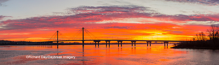 63895-15520 Clark Bridge at sunrise Alton IL