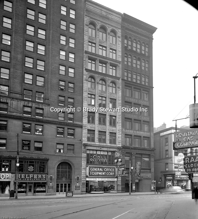 700 Block Of Liberty Avenue In Pittsburgh 1953