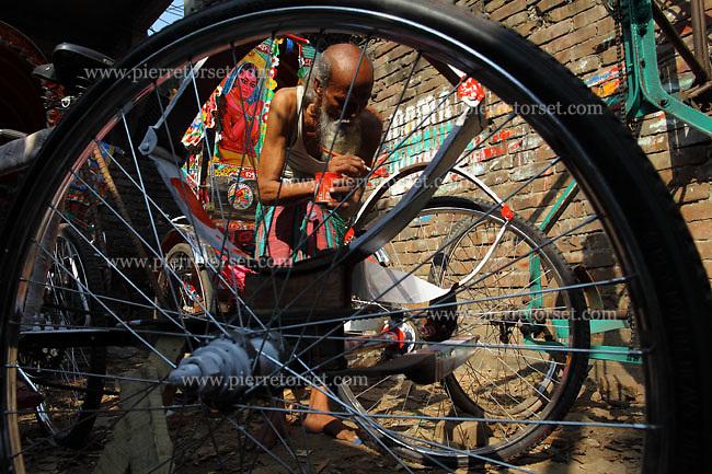 Rickshaw Painting Driver Dhaka Bangladesh Shipbreaking