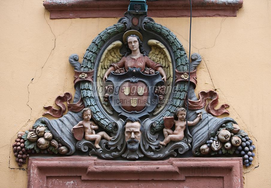 Europe/Allemagne/Bade-Würrtemberg/Heidelberg: rue Steingasse enseigne de l'Auberge Goldener Hecht
