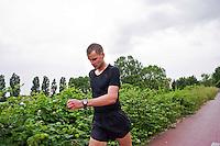 Roma, Maggio, 2015. Il marciatore Italiano Alex Schwazer durante il suo quotidiano allenamento su una pista ciclabile a Roma.