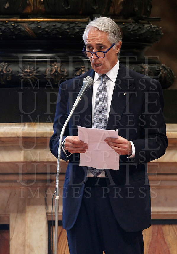 Il presidente del CONI Giovanni Malago' parla durante la messa per gli sportivi in occasione del 100esimo anniversario del CONI, nella Basilica di San Pietro, Citta' del Vaticano, 19 dicembre 2014.<br /> Italian Olympic Committee (CONI) president Giovanni Malago' speaks during a mass for CONI's 100th anniversary in St. Peter's Basilica at the Vatican, 19 December 2014.<br /> UPDATE IMAGES PRESS/Isabella Bonotto<br /> <br /> STRICTLY ONLY FOR EDITORIAL USE