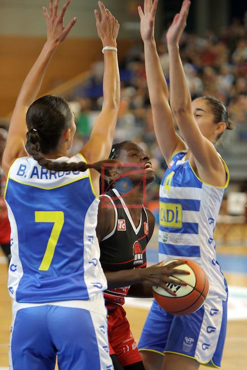 XXVIII Lliga Catalana Femenina 2016.<br /> Cadi La Seu vs Spar Citylift Girona: 71-57.<br /> Belen Arrojo, Sofia Silva &amp; Georgina Bahi.
