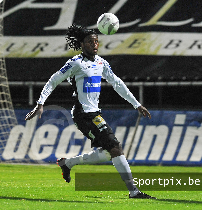 KSV Roeselare : Junior Kabananga.foto VDB / BART VANDENBROUCKE