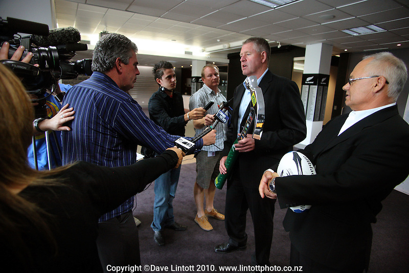 NZRU CEO Steve Tew and ITM CEO Gordon Buswell are interviewed by the media. NZRU announces ITM as 2010 provincial rugby sponsor at NZRU Head Office, Wellington, New Zealand on Monday, 15 March 2010. Photo: Dave Lintott / lintottphoto.co.nz