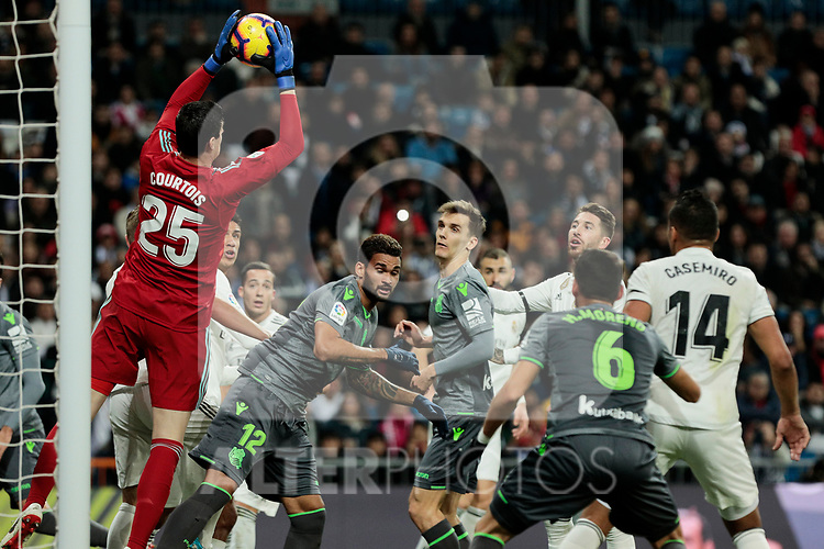 Real Madrid's Thibaut Courtois and Real Sociedad's Willian Jose Da Silva during La Liga match between Real Madrid and Real Sociedad at Santiago Bernabeu Stadium in Madrid, Spain. January 06, 2019. (ALTERPHOTOS/A. Perez Meca)<br />  (ALTERPHOTOS/A. Perez Meca)