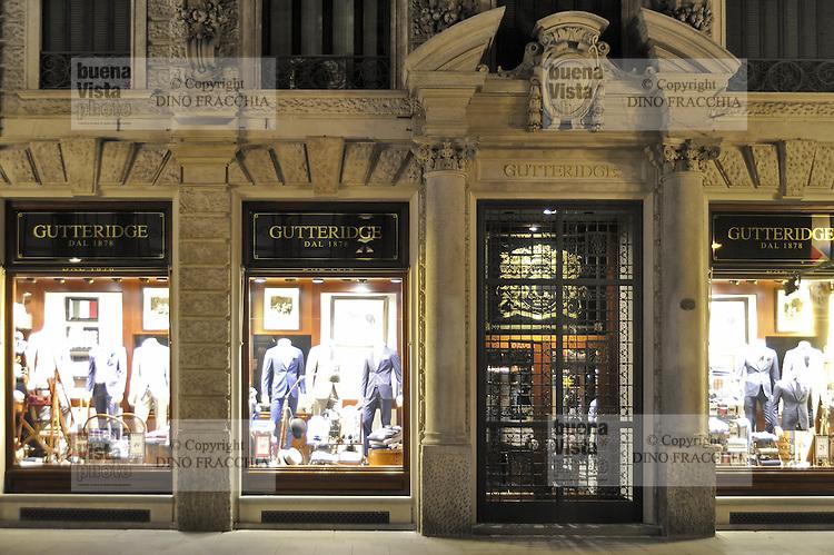 - Milan, Cordusio square, clothing store Gutteridge<br /> <br /> - Milano, via Dante, negozio di abbigliamento Gutteridge