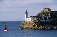 Europe/France/Bretagne/29/Finistère/Carantec : A la pointe de Penn Al Lann vue sur l'Ile Louet