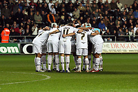 Pictured: Swansea City players in team huddle. <br />