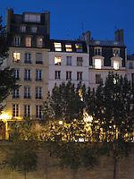 Parisian townhouses, Île de la Cité