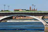 Europe/France/Midi-Pyrénées/31/Haute-Garonne/Toulouse: Les bords de la Garonne, le Pont-Neuf et le Couvent des Jacobins en arrière-plan