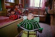 April 15th, 1989, Poyang, Jiangxi Province, China: daily life, family scenes.