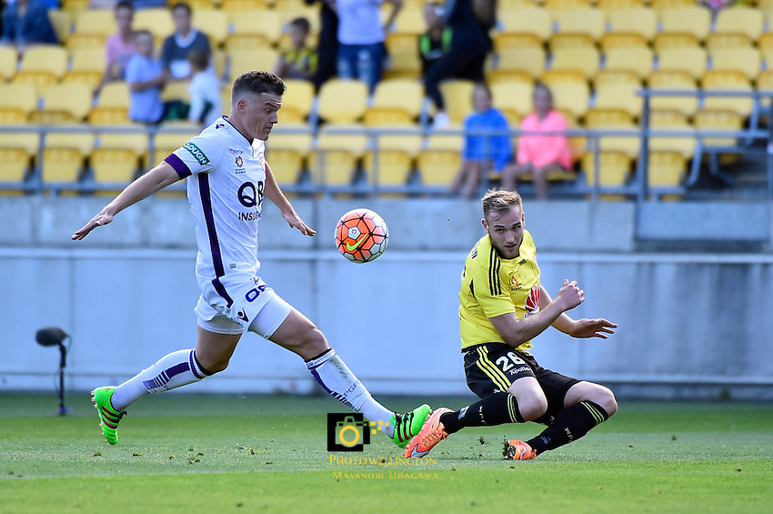 Wellington Phoenix' Hamish Watson in action during the A League Football - Wellington Phoenix v Perth Glory at Westpac Stadium, Wellington, New Zealand on Sunday 20 March 2016.<br /> Photo by Masanori Udagawa. <br /> www.photowellington.photoshelter.com.