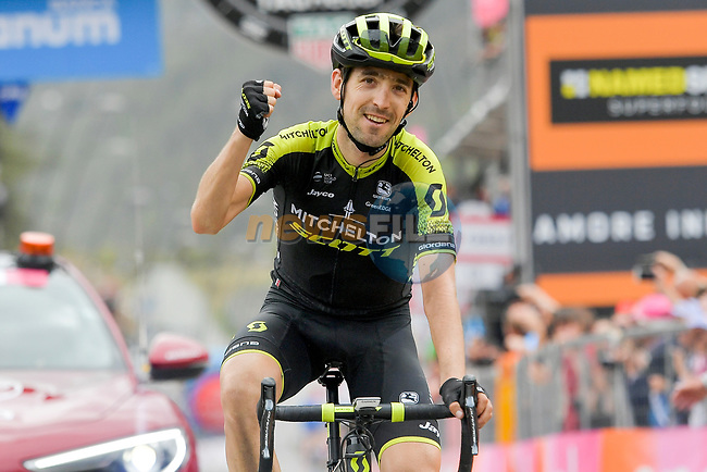 Mikel Nieve (ESP) Mitchelton-Scott wins solo Stage 20 of the 2018 Giro d'Italia, running 214km from Susa to Cervinia is the final mountain stage, with the last three climbs of Giro 101 deciding the GC of the Corsa Rosa, Italy. 26th May 2018.<br /> Picture: LaPresse/Marco Alpozzi | Cyclefile<br /> <br /> <br /> All photos usage must carry mandatory copyright credit (© Cyclefile | LaPresse/Marco Alpozzi)