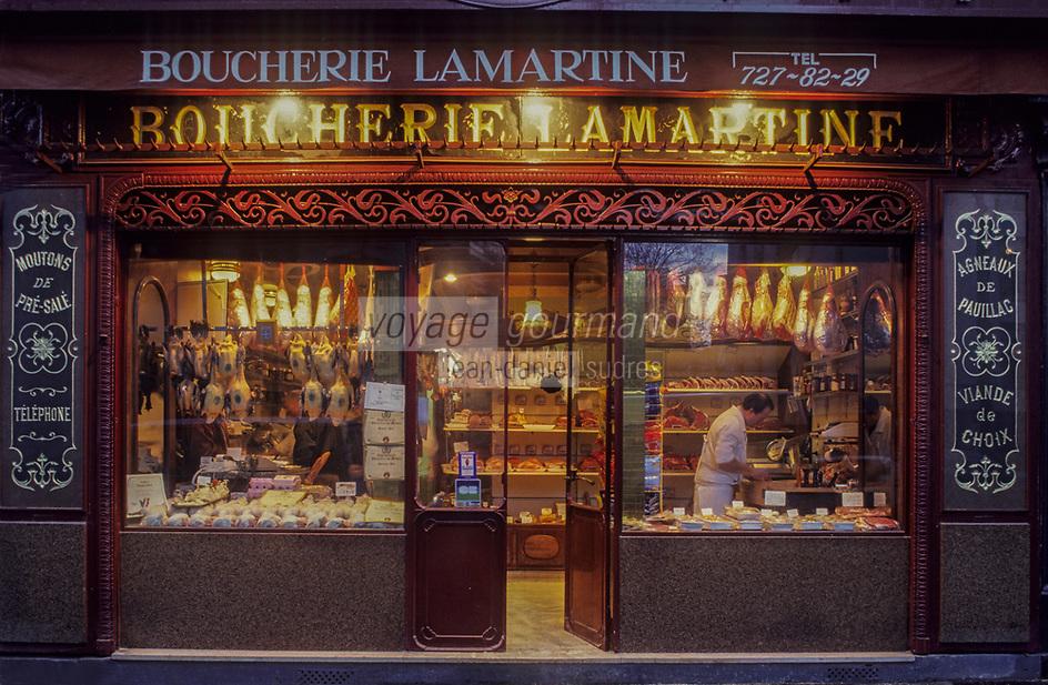 """Europe/France/Ile-de-France/Paris: """"BELLE EPOQUE"""" - Boucherie 172 avenue Victor Hugo (XVIIIème)<br /> PHOTO D'ARCHIVES // ARCHIVAL IMAGES<br /> FRANCE 1990"""