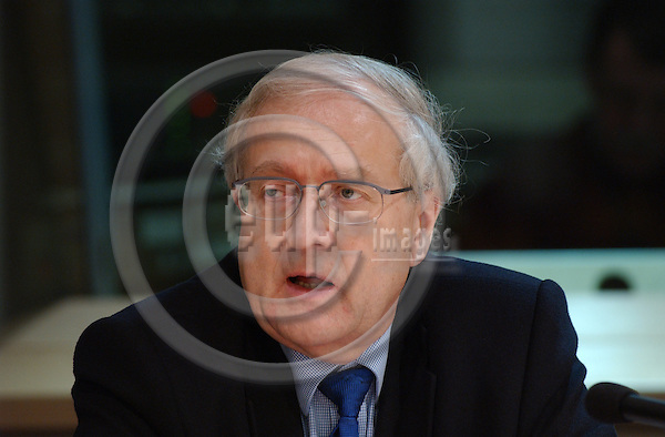 Brussels-Belgium - January 22, 2004---Rainer BR?DERLE (Bruederle), MdB, member of German Parliament and Deputy Chairman of FDP (German Liberal Party), during a press conference in the European Parliament---Photo: Horst Wagner/eup-images