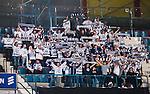 Stockholm 2015-09-30 Ishockey Hockeyallsvenskan AIK - Leksands IF :  <br /> Leksands supportrar med halsdukar under matchen mellan AIK och Leksands IF <br /> (Foto: Kenta J&ouml;nsson) Nyckelord:  AIK Gnaget Hockeyallsvenskan Allsvenskan Hovet Johanneshov Isstadion Leksand LIF supporter fans publik supporters