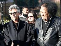 Rino Zurzolo e James Senese  partecipa ai funerali  di  Pino Daniele al santuario del divino amore di Roma