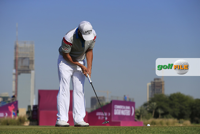 Pablo LARRAZABAL (ESP) putts on the 10th green during Thursday's Round 2 of the 2015 Commercial Bank Qatar Masters held at Doha Golf Club, Doha, Qatar.: Picture Eoin Clarke, www.golffile.ie: 1/22/2015