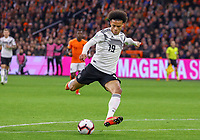 Leroy Sane (Deutschland Germany) zieht ab - 24.03.2019: Niederlande vs. Deutschland, EM-Qualifikation, Amsterdam Arena, DISCLAIMER: DFB regulations prohibit any use of photographs as image sequences and/or quasi-video.