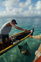 Lobster fishermen, Comarca De Kuna Yala, San Blas Islands, Panama