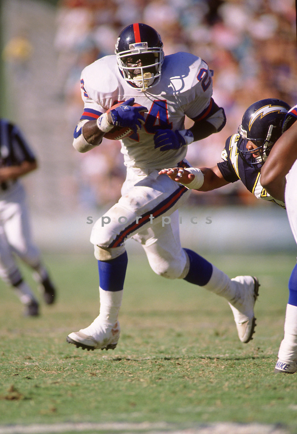 New York Giants Ottis Anderson (24) during a game from his 1989 season with the New York  Giants. Ottis Anderson played for 15 season with 2 different teams and was a 2-time Pro Bowler.