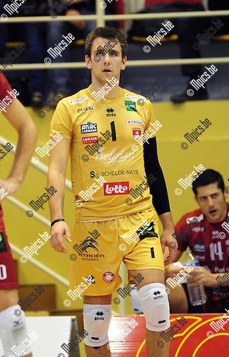 2014-10-29 / Volleybal / seizoen 2014-2015 / Topvolley Antwerpen - Asse-Lennik / Dennis Deroey<br /><br />Foto: mpics.be