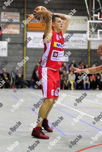 11-11-05 / Basketbal / seizoen 2011-2012 / Turuka - BBC Willebroek / Bart Van Breedam ..Foto: Mpics