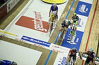 Iljo Keisse (BEL/Etixx-QuickStep) &amp; Michael M&oslash;rk&oslash;v (DEN/Tinkoff-Saxo) slingshot relay<br /> <br /> 2015 Gent 6