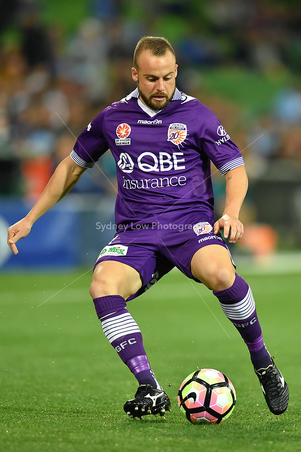 Melbourne, 23 April 2017 - MARC WARREN (3) of the Glory controls the ball in the Elimination Final 2 of the A-League between Melbourne City and Perth Glory at AAMI Park, Melbourne, Australia. Perth won 2-0. Photo Sydney Low/sydlow.com