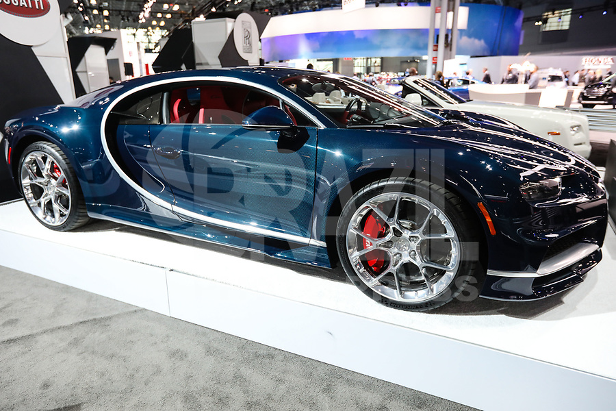 NEW YORK, EUA, 13.04.2017 - AUTOMÓVEL-NEW YORK - Bugatti é visto durante o New York Internacional Auto Show no Javits Center na cidade de New York nesta quinyta-feira, 13. O evento é aberto ao público do dia 14 à 23 de abril de 2017 . (Foto: Vanessa Carvalho/Brazil Photo Press)