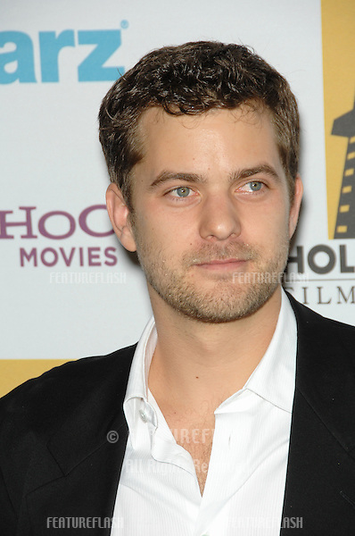 JOSHUA JACKSON at the 10th Annual Hollywood Awards Gala - the closing gala of the 2006 Hollywood Film Festival - at the Beverly Hills Hilton. .October 23, 2006  Los Angeles, CA.Picture: Paul Smith / Featureflash