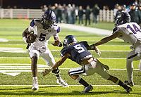 NWA Democrat-Gazette/BEN GOFF @NWABENGOFF<br /> Darius Bowers, Fayetteville quarterback, runs the ball in the fourth quarter vs Springdale Har-Ber Friday, Nov. 2, 2018, during the game at Wildcat Stadium in Springdale.
