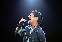 Alejandro Sanz performs at Rock in Rio Festival 07/06/2004