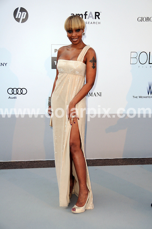 **ALL ROUND PICTURES FROM SOLARPIX.COM**.**WORLDWIDE SYNDICATION RIGHTS**.amfAR party arrivals at the Hotel Du Cap, as part of the 2010 Cannes Film festival, Cannes, France. 20 May 2010..This pic: Mary J Blige..JOB REF: 11305 MSR    DATE: 20_05_2010.**MUST CREDIT SOLARPIX.COM OR DOUBLE FEE WILL BE CHARGED**.**MUST NOTIFY SOLARPIX OF ONLINE USAGE**.**CALL US ON: +34 952 811 768 or LOW RATE FROM UK 0844 617 7637**