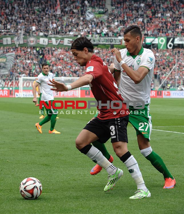 09.05.2015, HDI Arena, Hannover, GER, 1.FBL, Hannover 96 vs Werder Bremen, im Bild Miiko Albornoz (Hannover #3), Davie Selke (Bremen #27)<br /> <br /> Foto &copy; nordphoto / Frisch