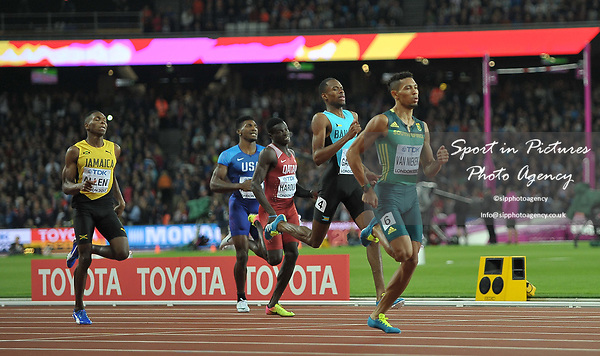 Wayde VAN NIEKERK (RSA) strolls to victory in the mens 400m final. IAAF world athletics championships. London Olympic stadium. Queen Elizabeth Olympic park. Stratford. London. UK. 08/08/2017. ~ MANDATORY CREDIT Garry Bowden/SIPPA - NO UNAUTHORISED USE - +44 7837 394578